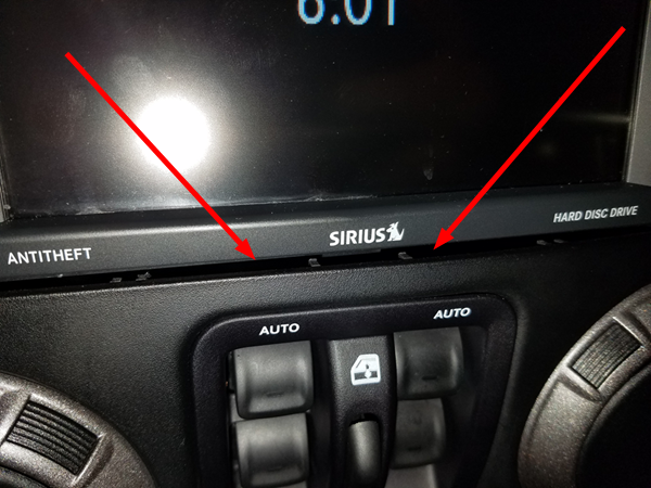 Jeep Touchscreen Gap Below Stereo on Iphone 5 Microphone Location On